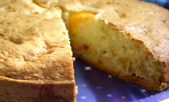 Сметанный фруктовый пирог