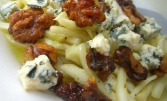 Салат из фенхеля с голубым сыром