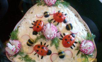 Украшения для салата (гвоздика, пчелка и божья коровка)