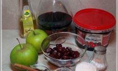 Краснокочанная капуста с можжевельником, вишней и яблоками.
