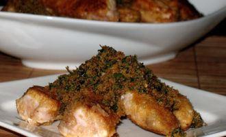 Полоски из куриной грудки в пармезановой корочке с крошкой из зелени