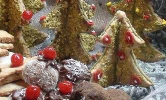 Печенье ёлочка а может и еловый лес! бонус – «конфетки» из поломанных ёлок :)