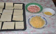 Слоёные треугольнички с сыром и креветками