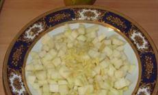 Камамбер с грушами (в вине)