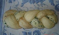 Хлебная плетенка с зеленью и красным перцем(вариант)