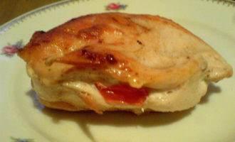 Куриные грудки с помидорами и базиликом
