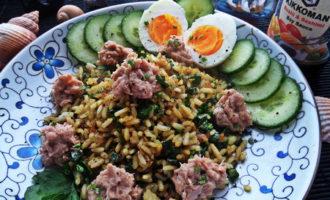 Рис с карри и тунцом