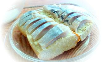 Горячие бутерброды с сельдью.