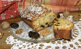 Кекс ореховый с черносливом