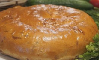 Лепешки слоеные с сыром