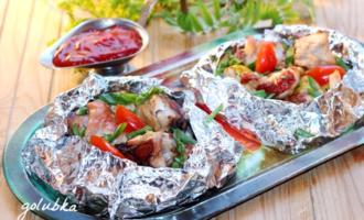 Маринованные куриные грудки с овощами