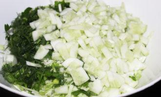 Салат из молодой капусты с морепродуктами