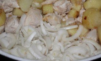 Картофель с курицей (полноценный обед в 1 кастрюле)