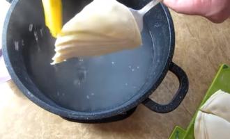 Стоит только полить тесто содой и результат вас удивит! вкусные слоенки!