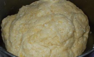 Творожный пирог с вареньем и корицей